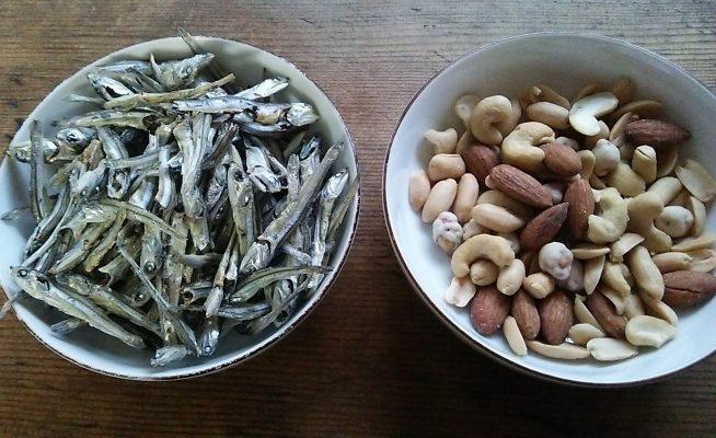おせち料理「田作り」の小魚は何?レシピや材料は?